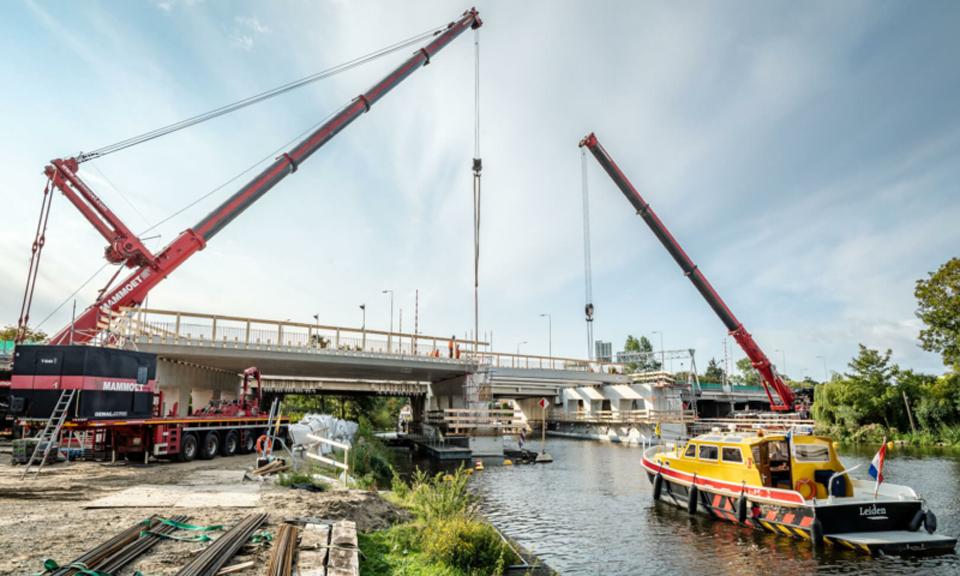 Bouw brug Oude Rijn A44