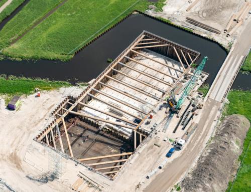 Vroege start betonstort aquaduct Veenwatering