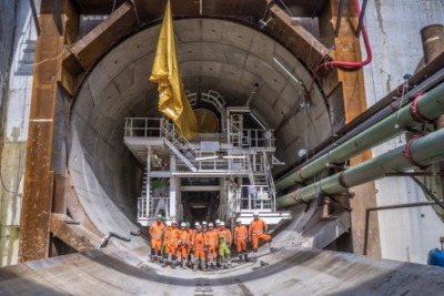 Groepsfoto van het tunnelteam voor de tunnel