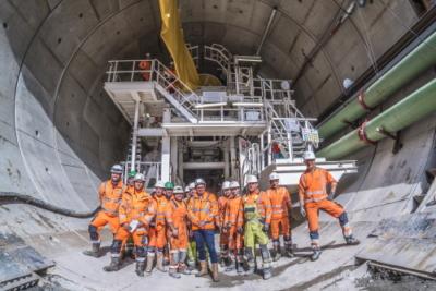 Groepsfoto van het tunnelteam voor de tunnelboormachine Gaia