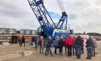 Bewoners krijgen uitleg bij aquaduct Veenwatering