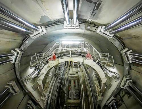 Tunnelboormachine in bedrijf: 360 graden timelapse