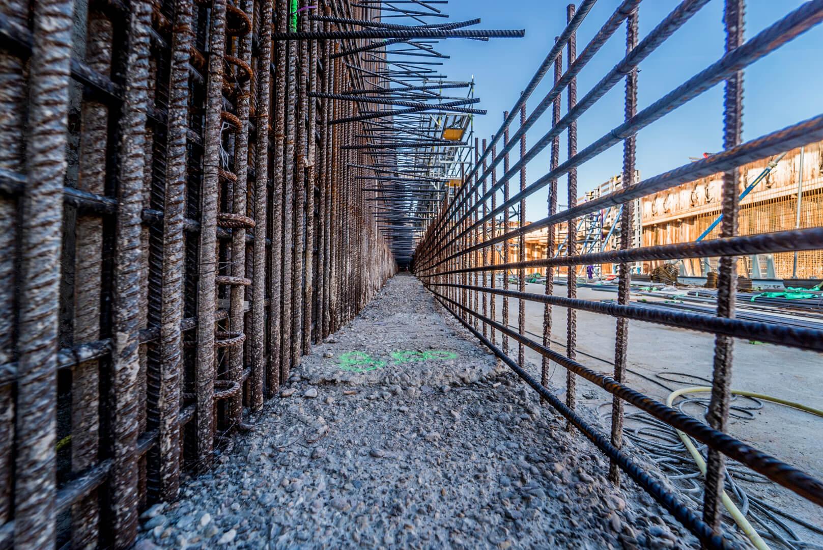 Zo ziet een wand eruit, voordat het beton wordt gestort