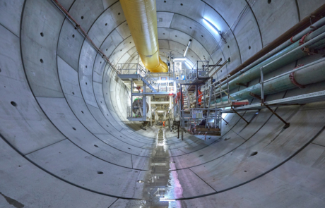 Tunnelboormachine in de tunnelbuis