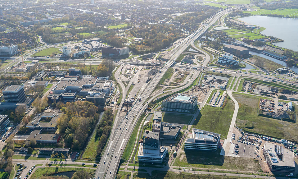 Luchtfoto vanaf viaduct Robert Boyleweg