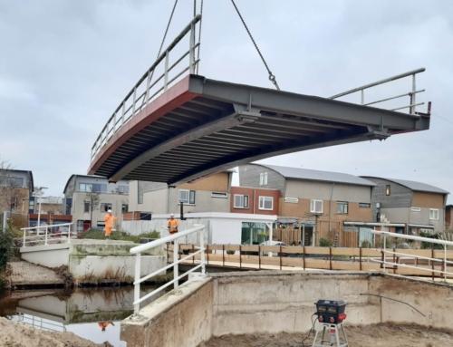 Oude brugdek Liesbeth Ribbiuspad uitgehesen