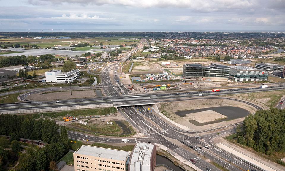Luchtfoto aansluiting Leiden-West